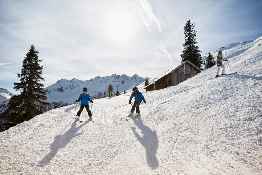 Children skiing in Alpbach